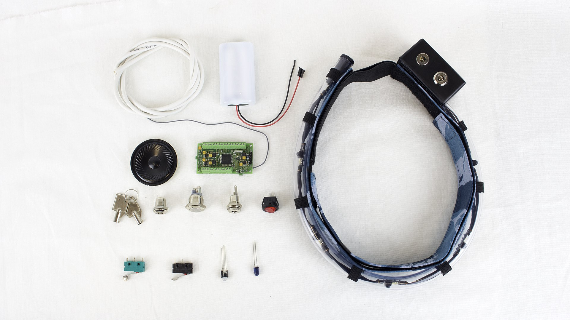 Self-assembly kit